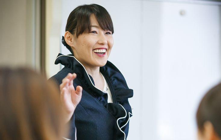 ものすごい額を売り上げる新幹線の車内販売員が、あえてお客さんと雑談をする理由