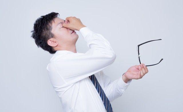 長時間パソコン画面を見た後に 目をリフレッシュする「ツボ」とは?