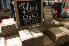 Book Culture on Columbusの「Blind Date with a book」